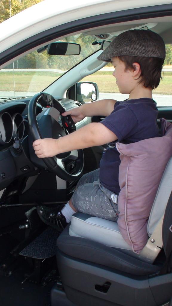 Short Stature teen driver